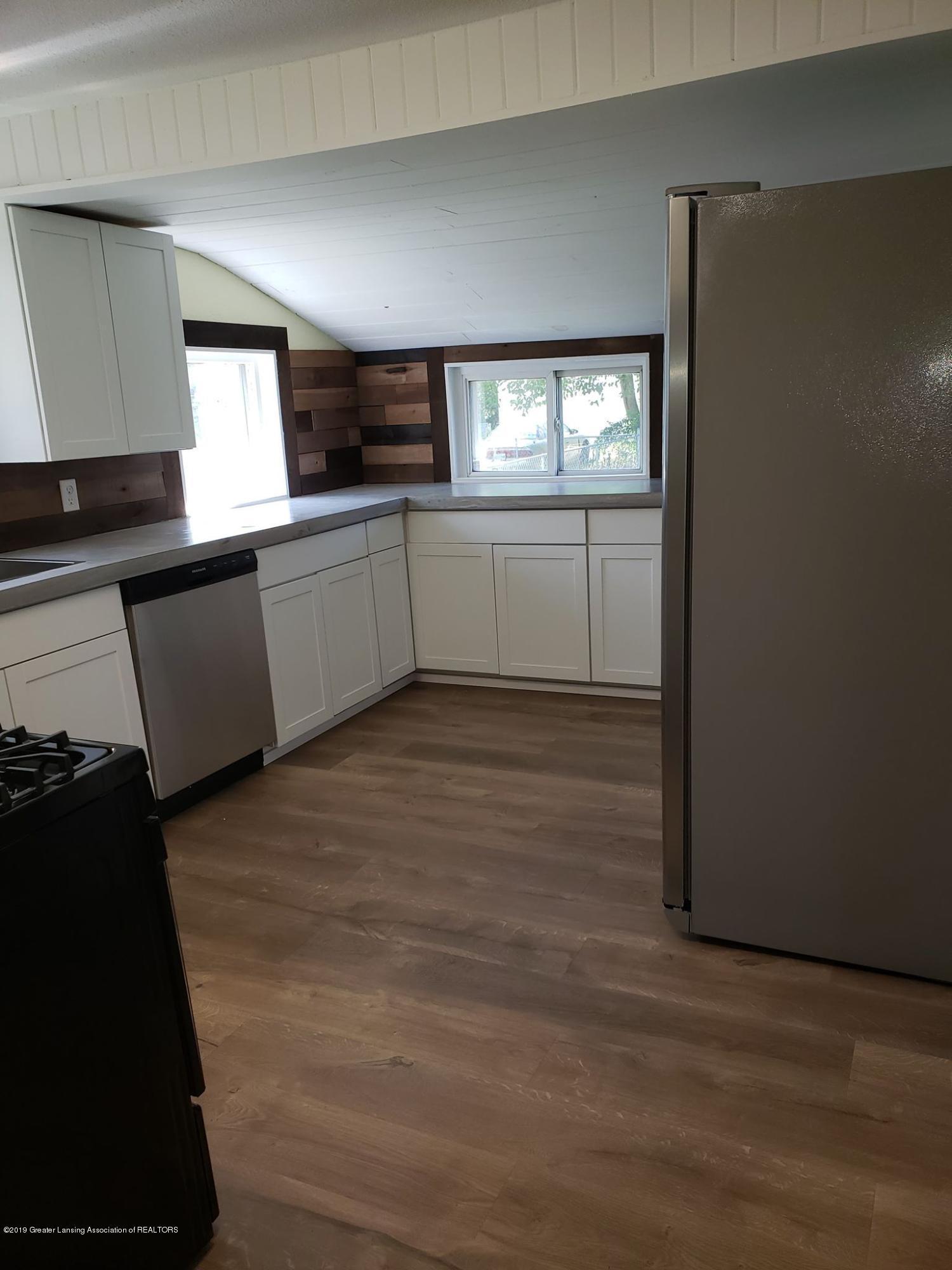 906 Hall St - Kitchen fridge - 25