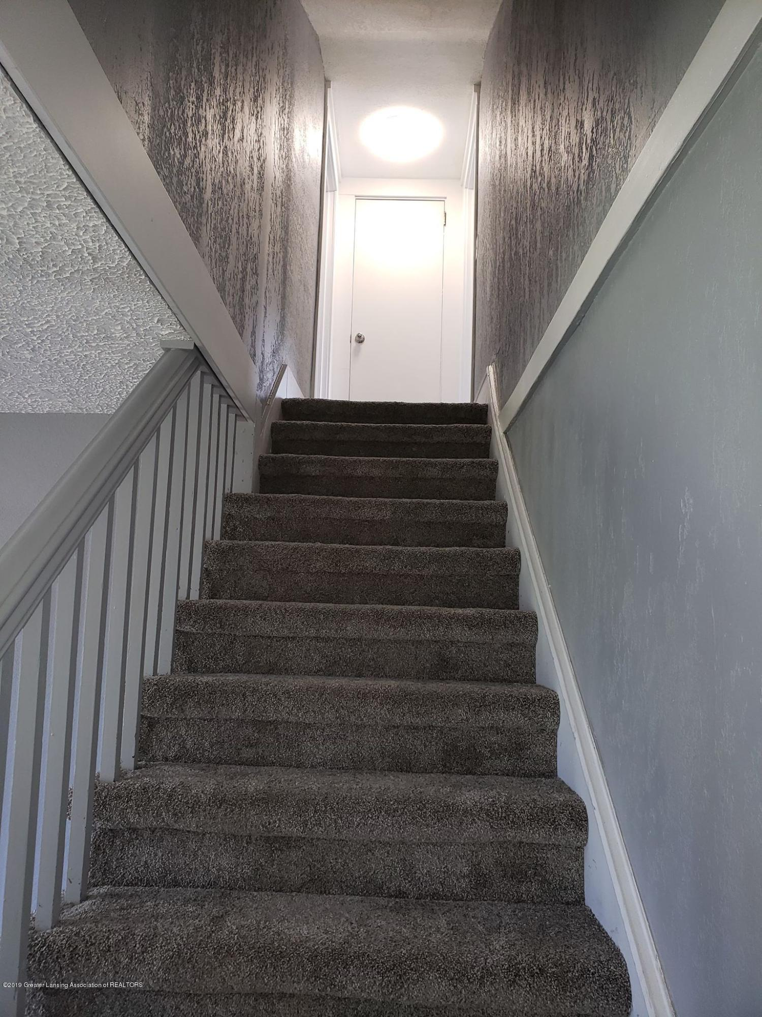 906 Hall St - Stairs - 32