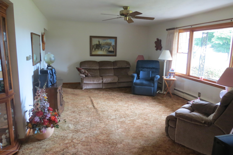 229 W Elm St - Living Room - 7