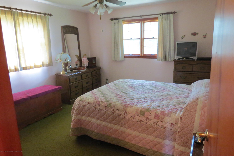 229 W Elm St - Bedroom - 11