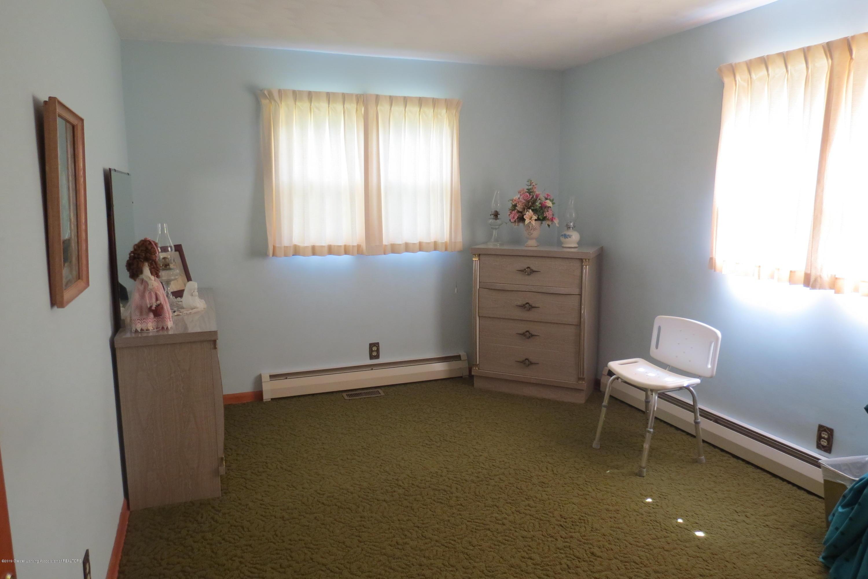 229 W Elm St - Bedroom - 14