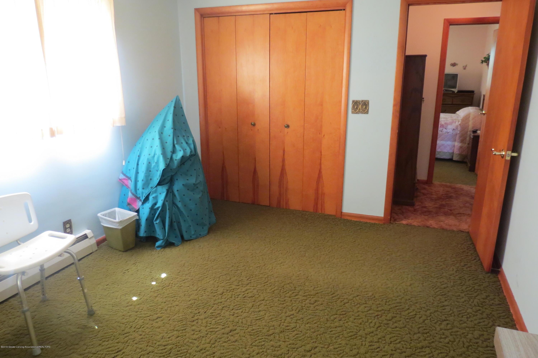 229 W Elm St - Bedroom - 15