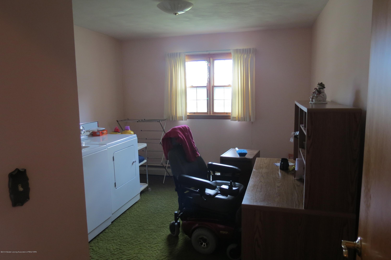 229 W Elm St - Bedroom - 16