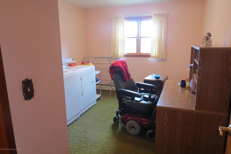 229 W Elm St - Bedroom - 17
