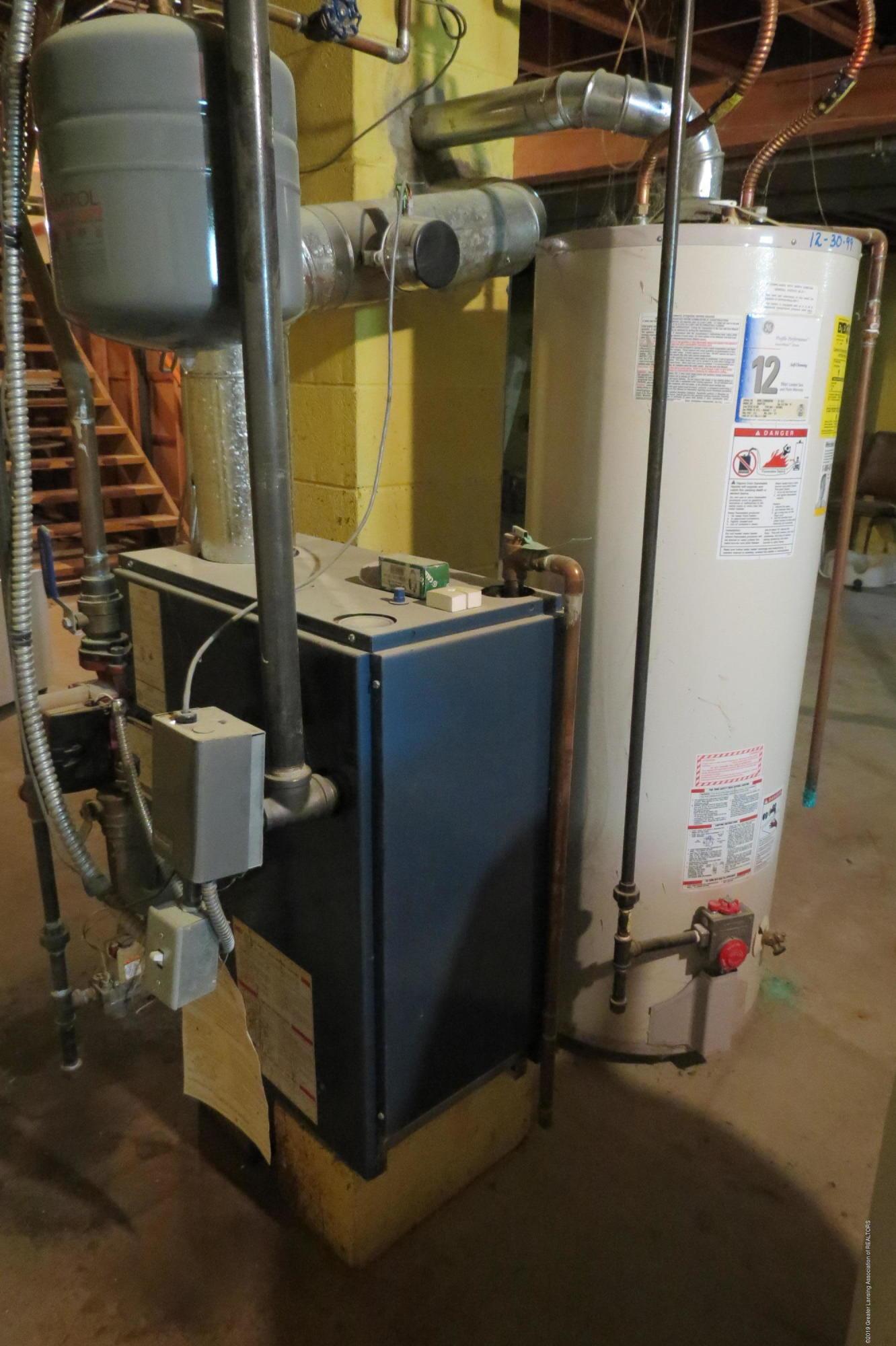 229 W Elm St - Water Heater - 21