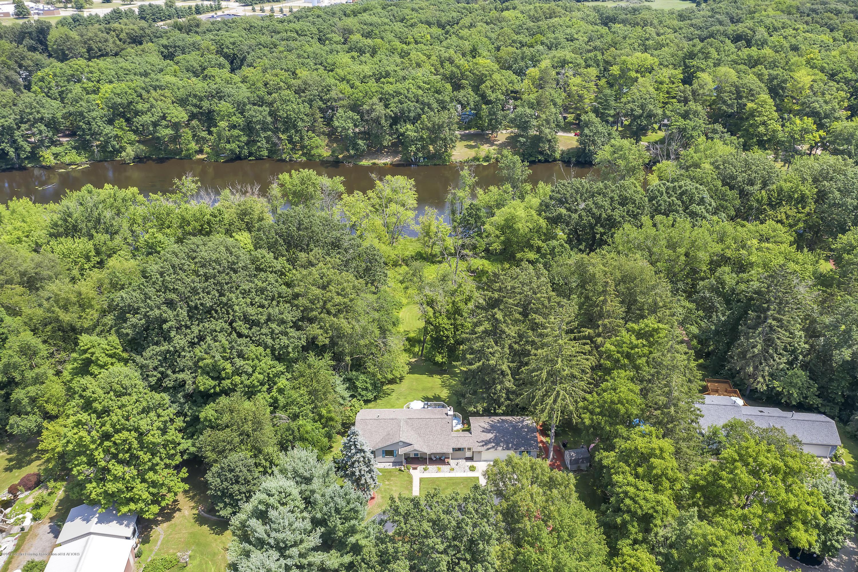1449 Water St - 1449-Water-St-Eaton-Rapids-windowstill-5 - 56