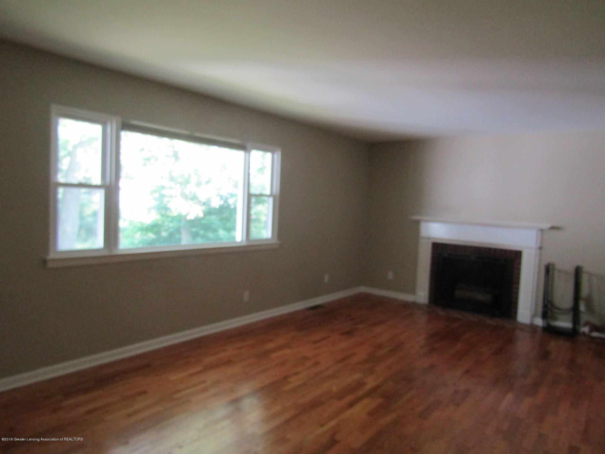 116 Western Ave - Living Room - 10