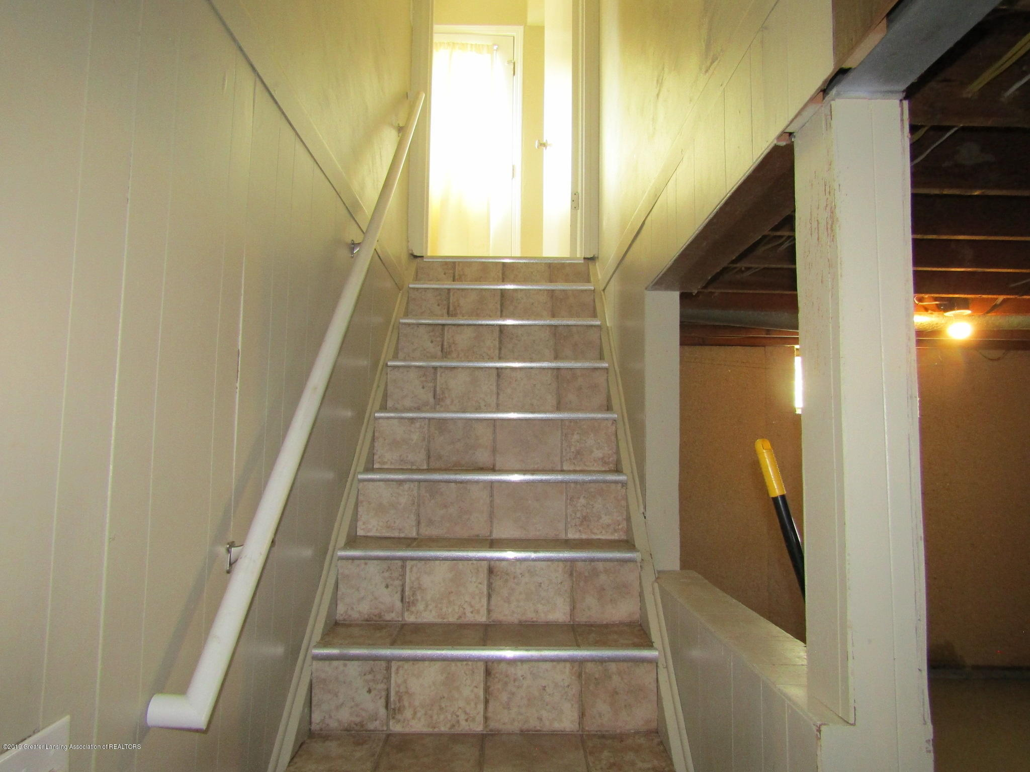 116 Western Ave - Stairs - 29
