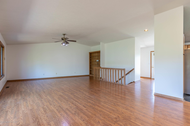 5170 Beaumaris Cir - Living room - 4
