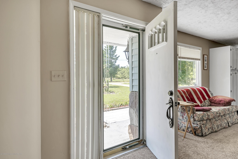 10240 Nixon Rd - 10240-Nixon-Rd-Grand-Ledge-windowstill-7 - 7