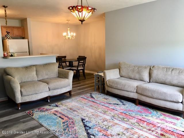 12907 Townsend Dr APT 111 - Living Room - 6