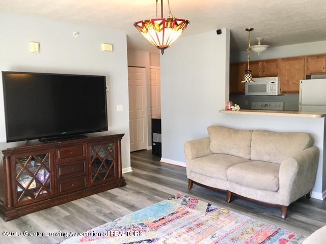12907 Townsend Dr APT 111 - Living Room - 7