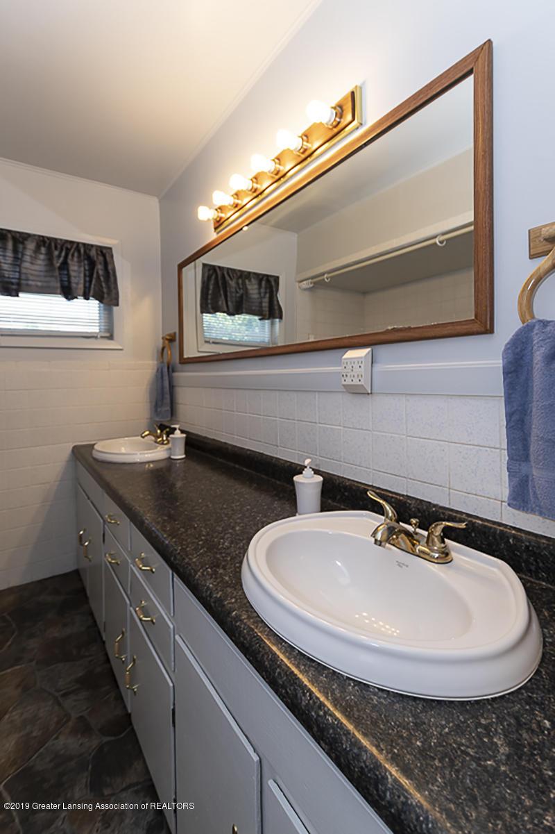 6795 W St Joseph Hwy - Full Bath - 15