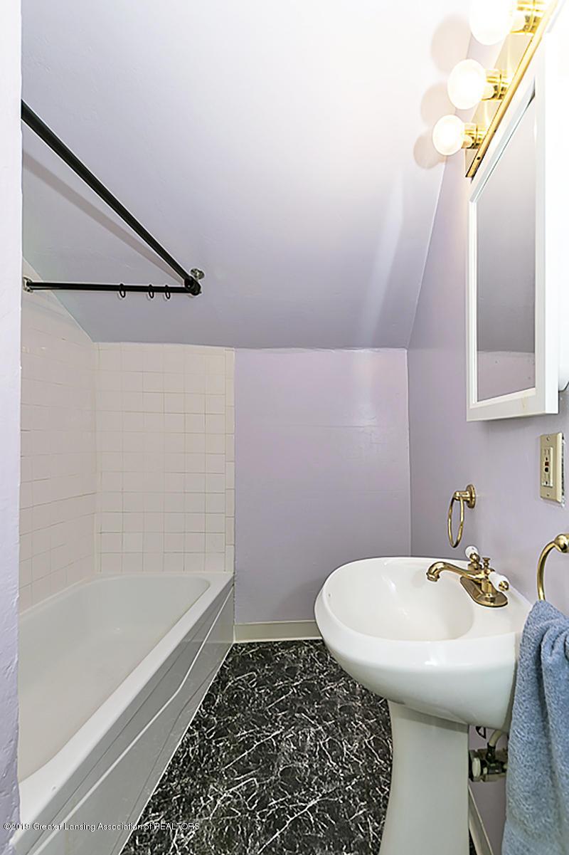 6795 W St Joseph Hwy - 2nd Full Bath - 21