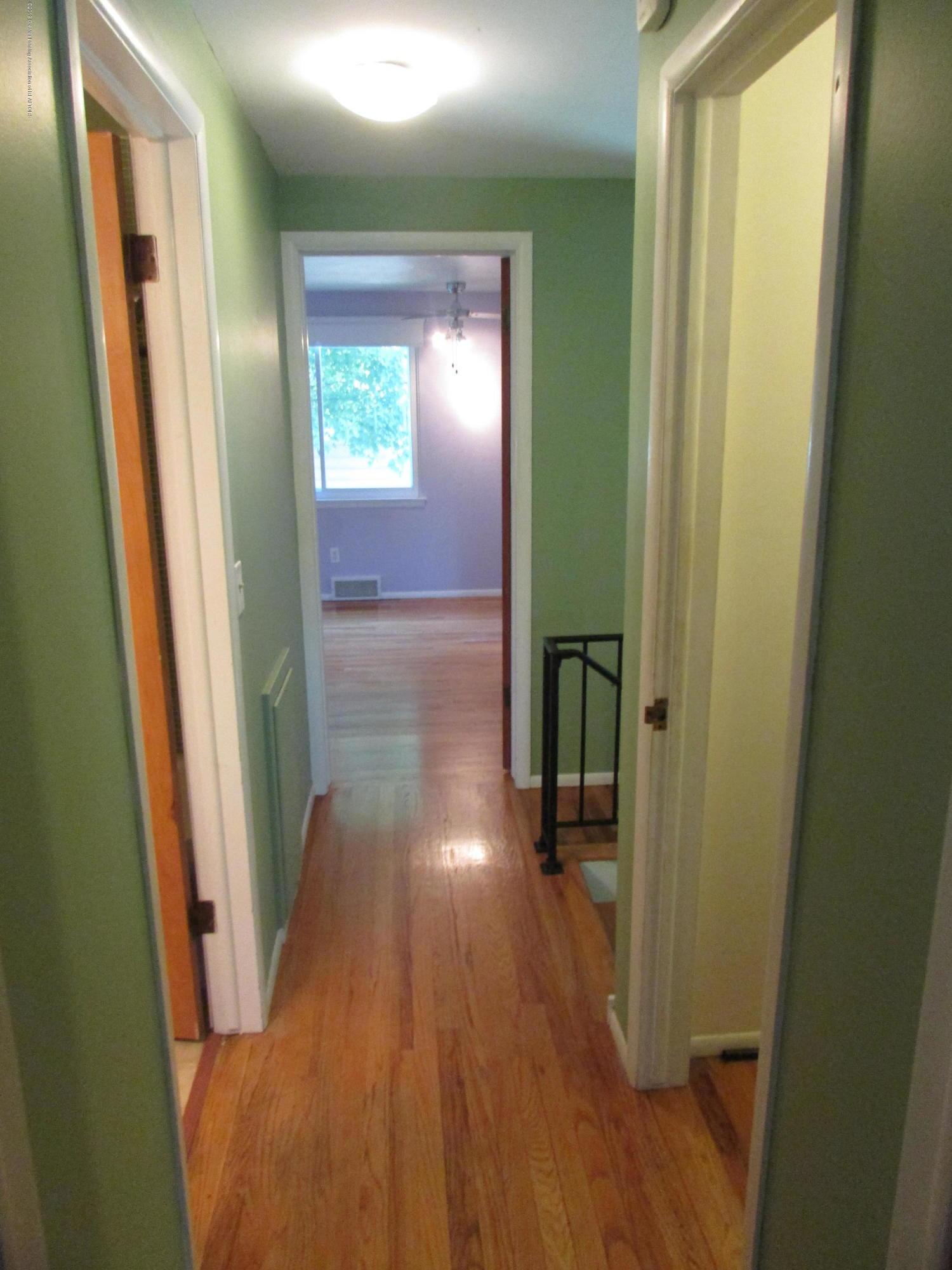 1730 Gay Ln - Hallway - 11