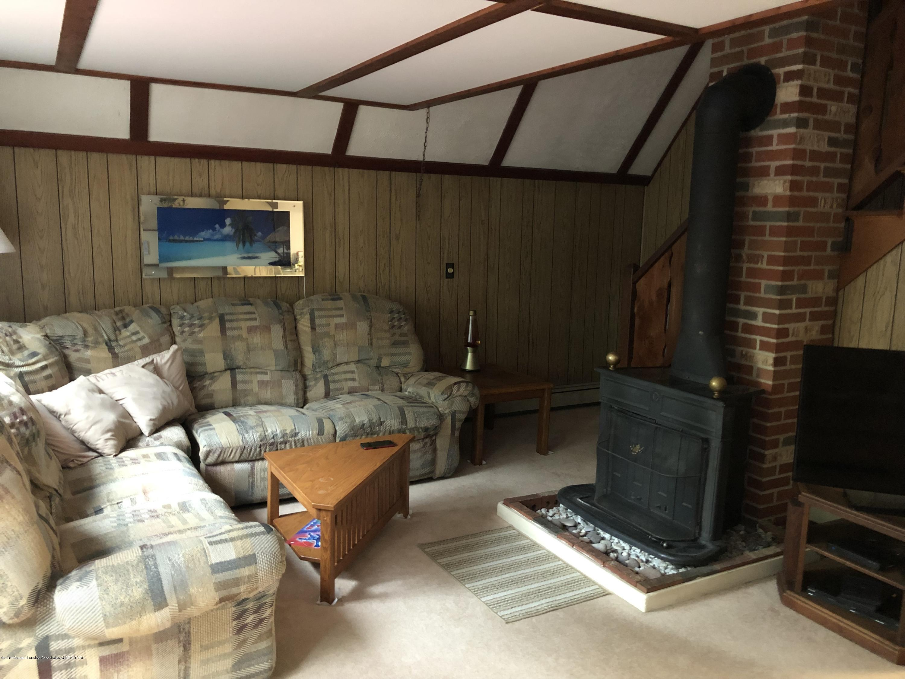 7610 S Chandler Rd - Living room 2 - 12