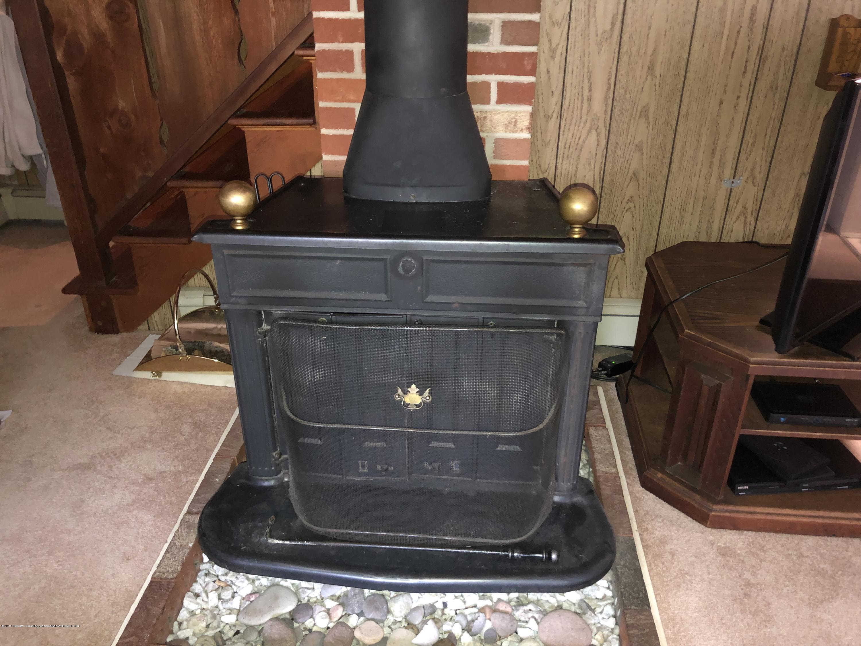 7610 S Chandler Rd - Wood burner - 15