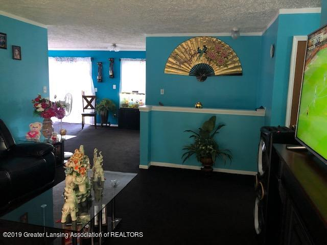 5712 Piper Ave - Living room - 4
