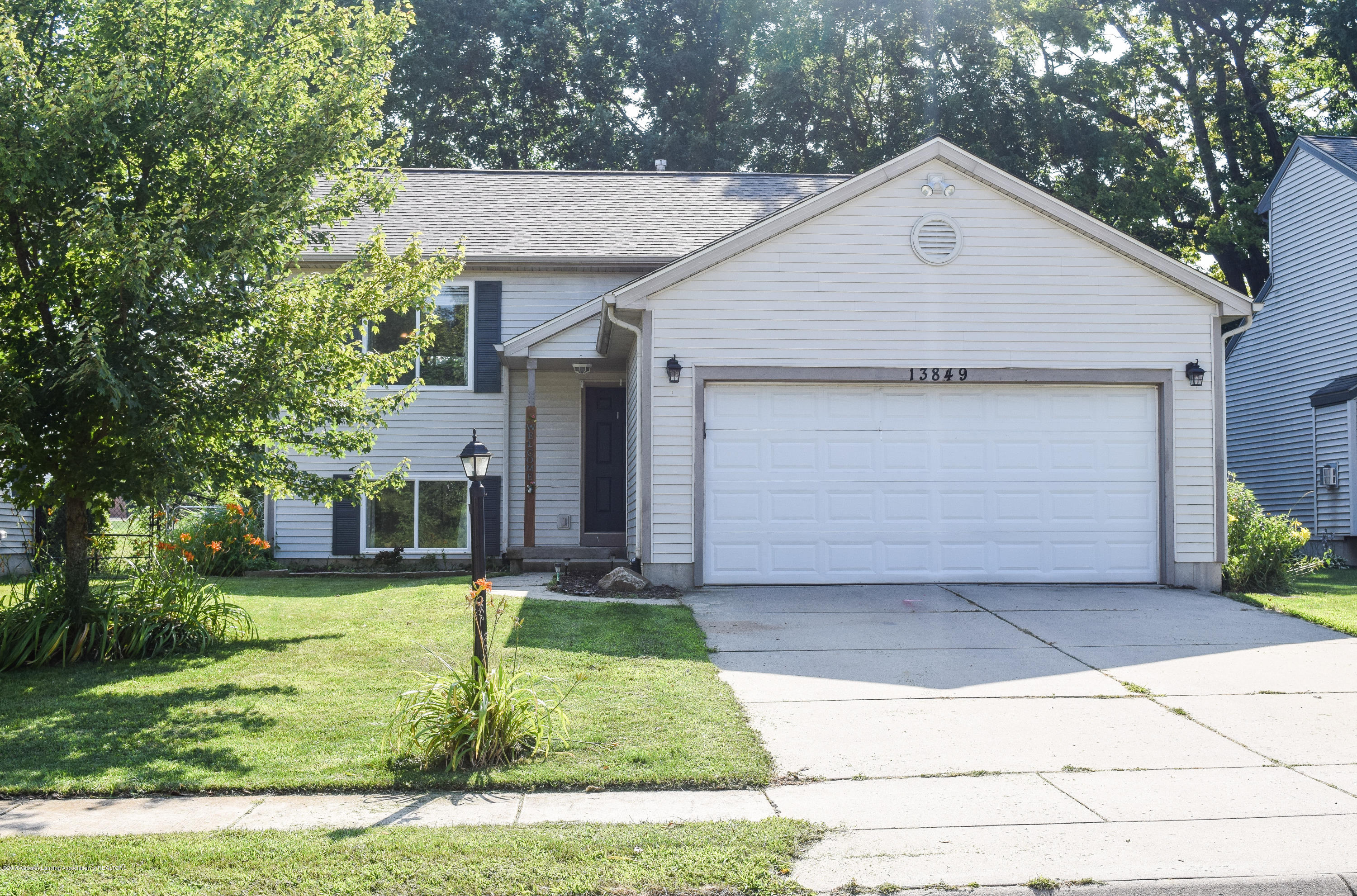 13849 Mead Creek Rd - Ex Front - 1