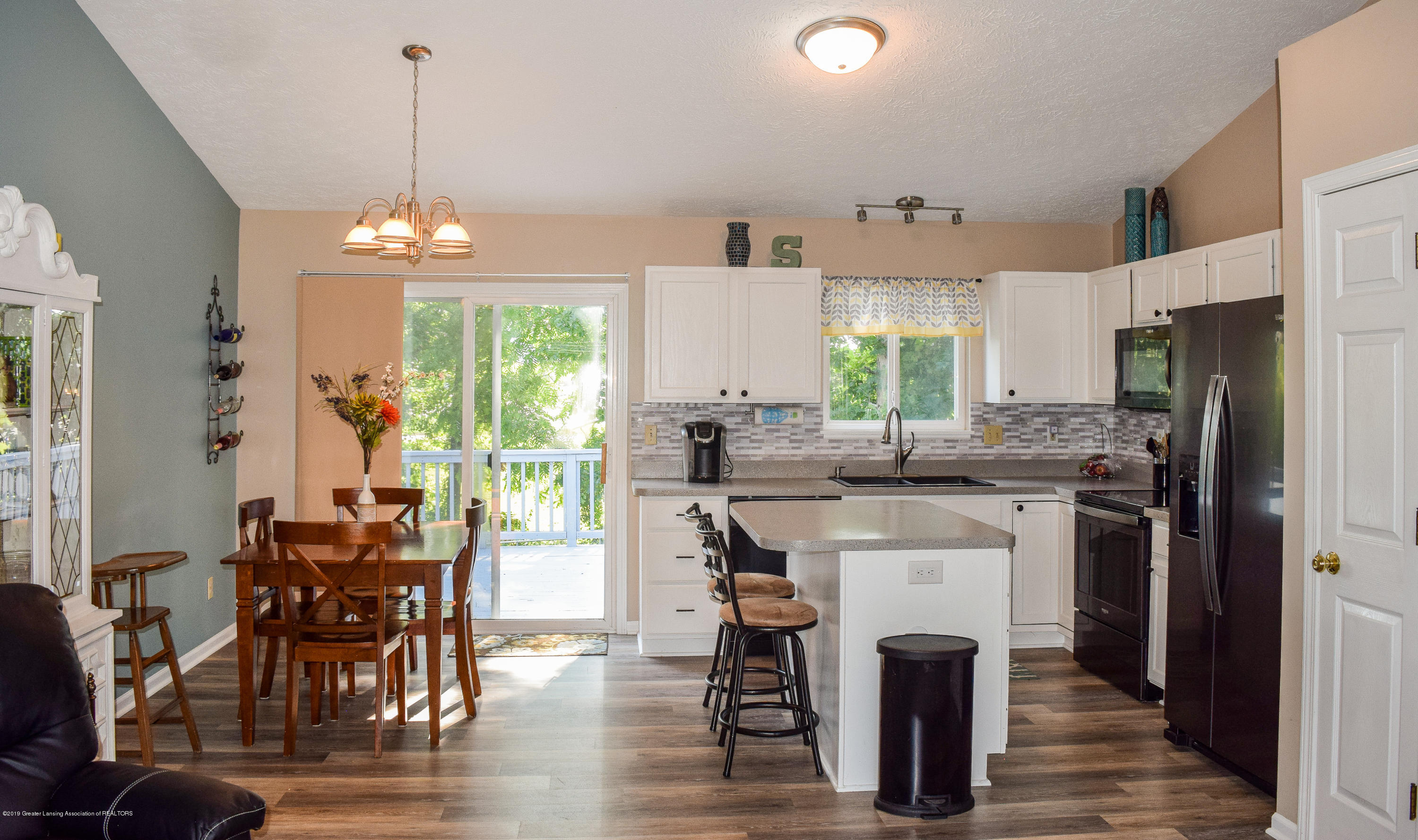 13849 Mead Creek Rd - Kitchen/Dining - 10