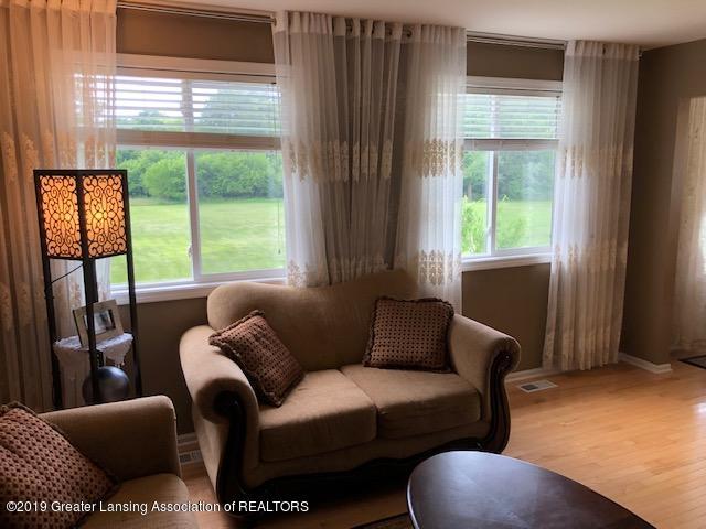 6351 Towar Ave - Living Room - 7