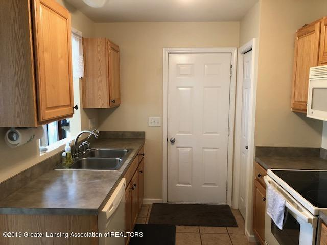 6351 Towar Ave - Kitchen - 12