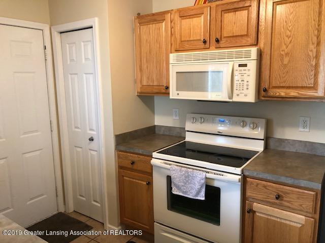 6351 Towar Ave - Kitchen - 13