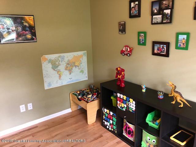 6351 Towar Ave - Office/Playroom - 16