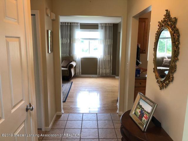 6351 Towar Ave - Foyer - 17
