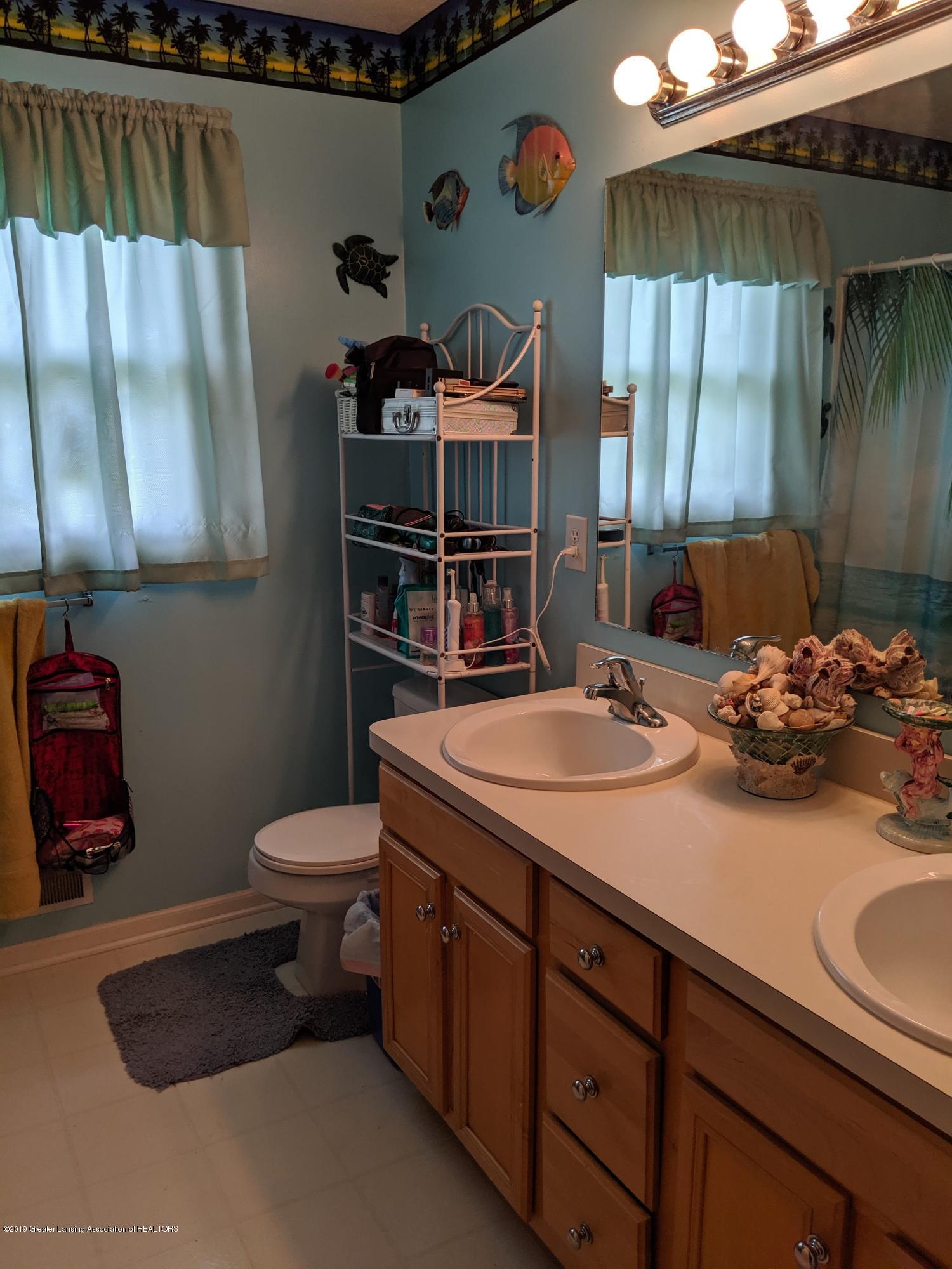 13605 Honeylocust Dr - bathroom - 10