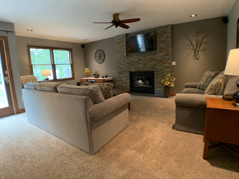 13271 Blackwood Dr - Living Room - 10