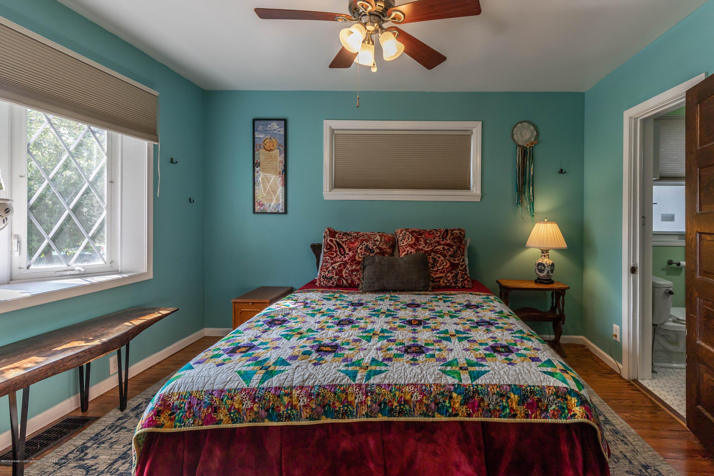 426 Allen St - Master Bedroom - 16