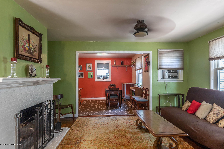 426 Allen St - Living Room - 6