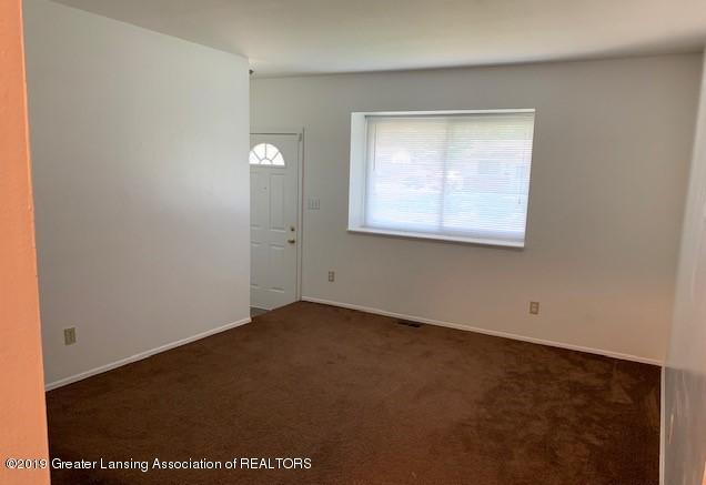 4102 Hillborn Ln - LIVING ROOM - 4