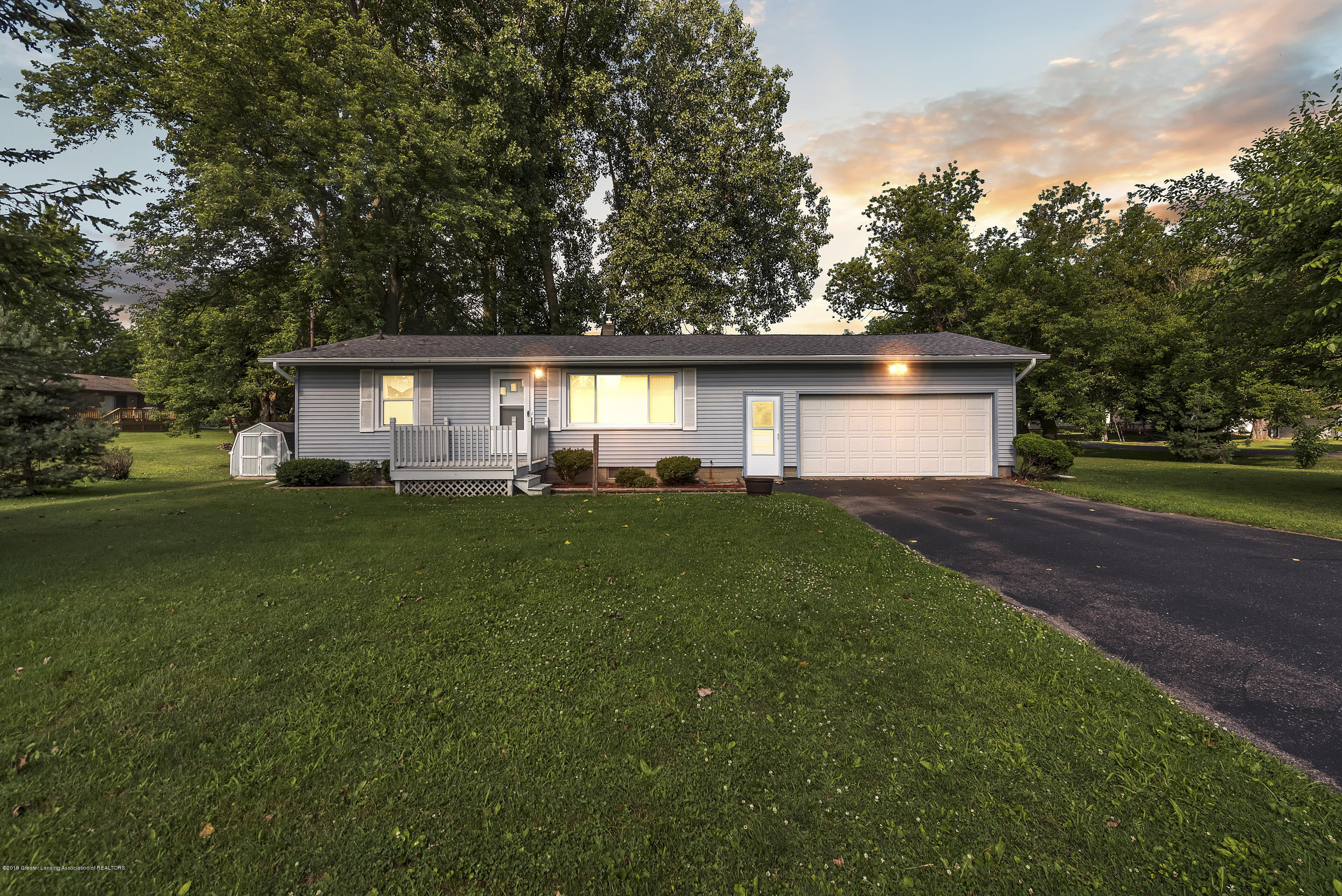15742 Mayfield Dr - Front - 1