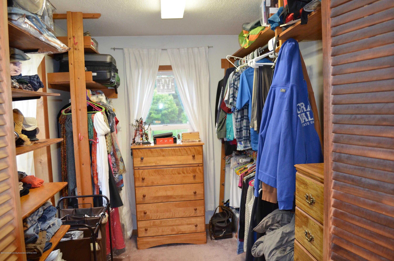 5815 E Mt Hope Hwy - Master Walk In Closet - 18