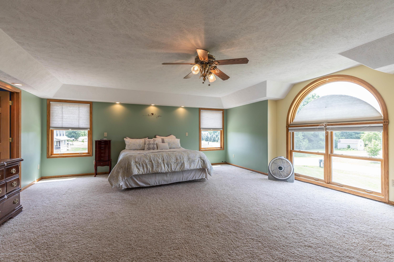 4011 Elk Ridge Dr - Master bedroom - 28