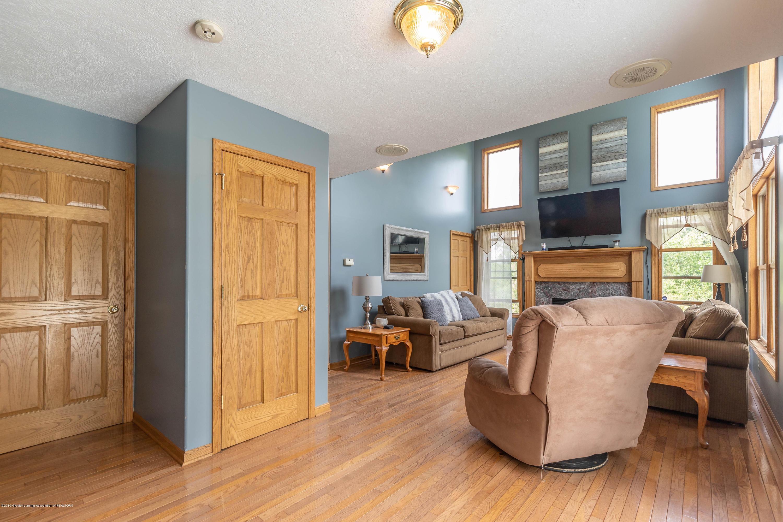 4011 Elk Ridge Dr - Living room - 15