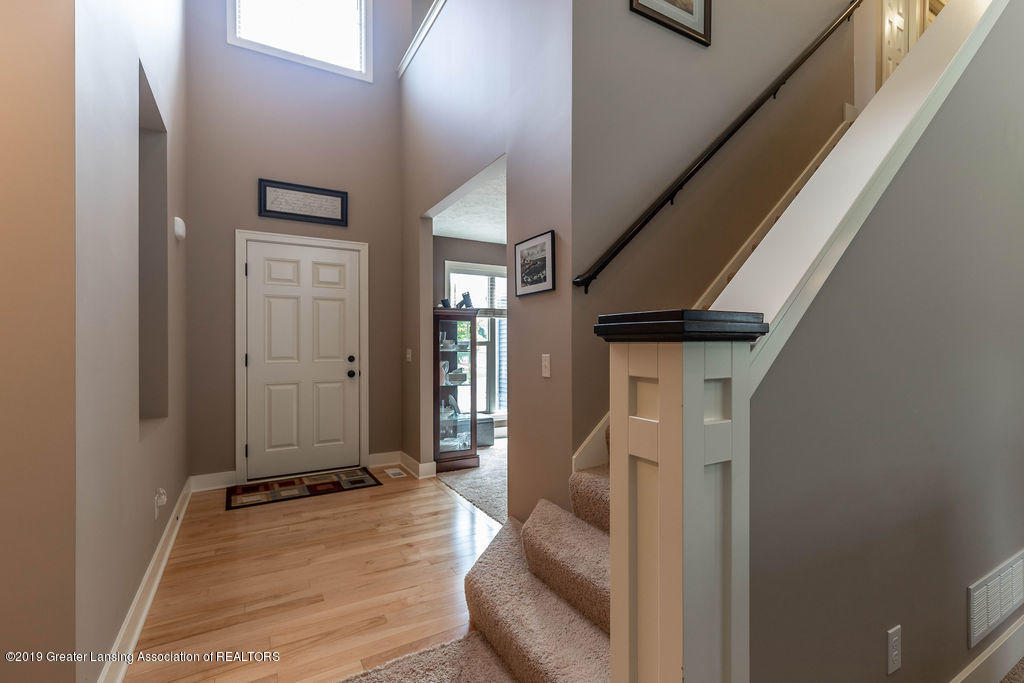 10751 Ireland Dr - irelandfoyer(1of1) - 8