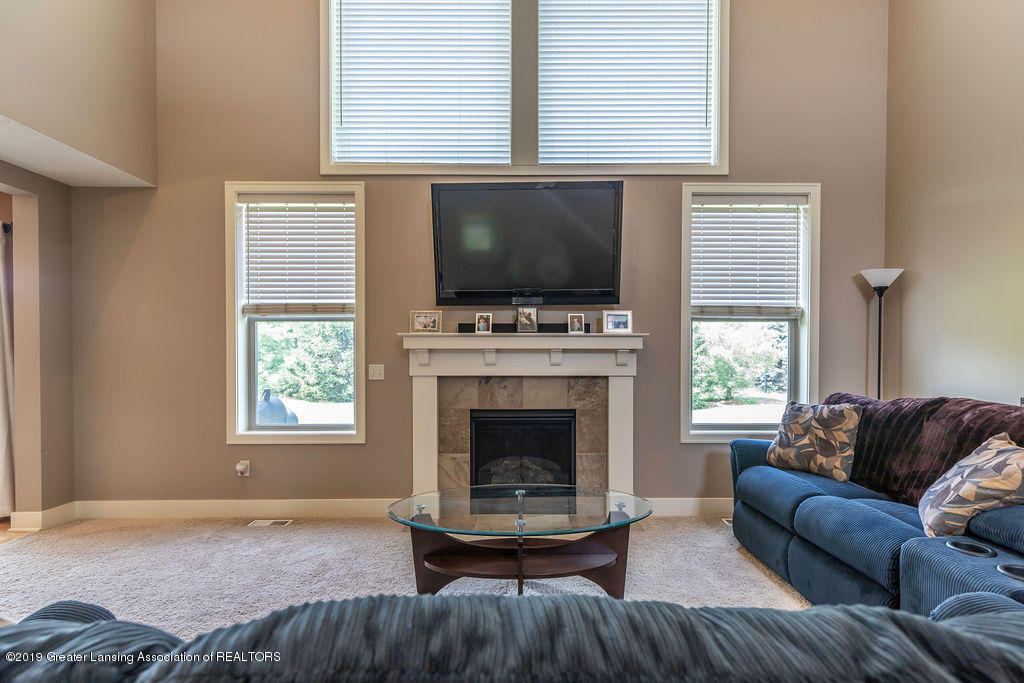 10751 Ireland Dr - irelandliving5 - 5