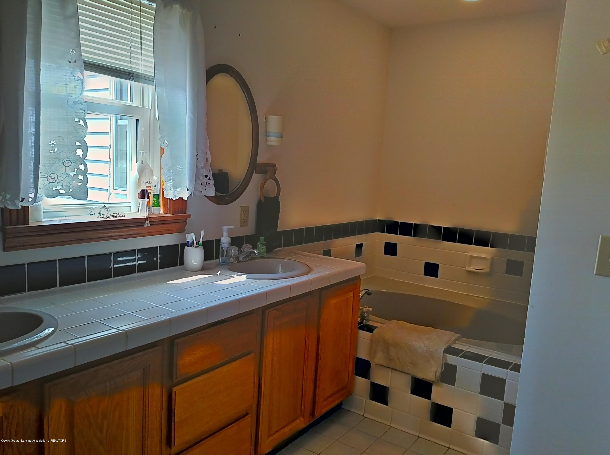8283 S Forest Hill Rd - Master Bathroom - 16