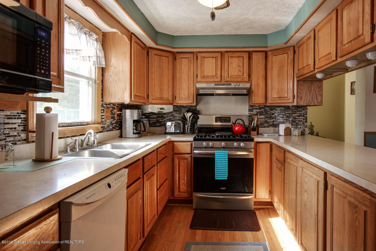 702 Williams St - kitchen - 11