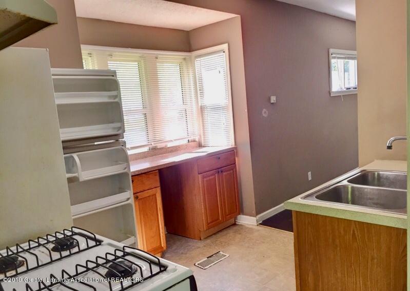 619 S Magnolia Ave - Kitchen - 8
