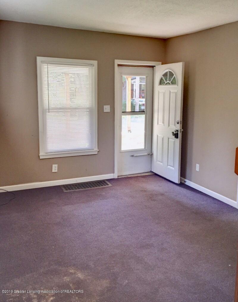 619 S Magnolia Ave - Living Room - 5