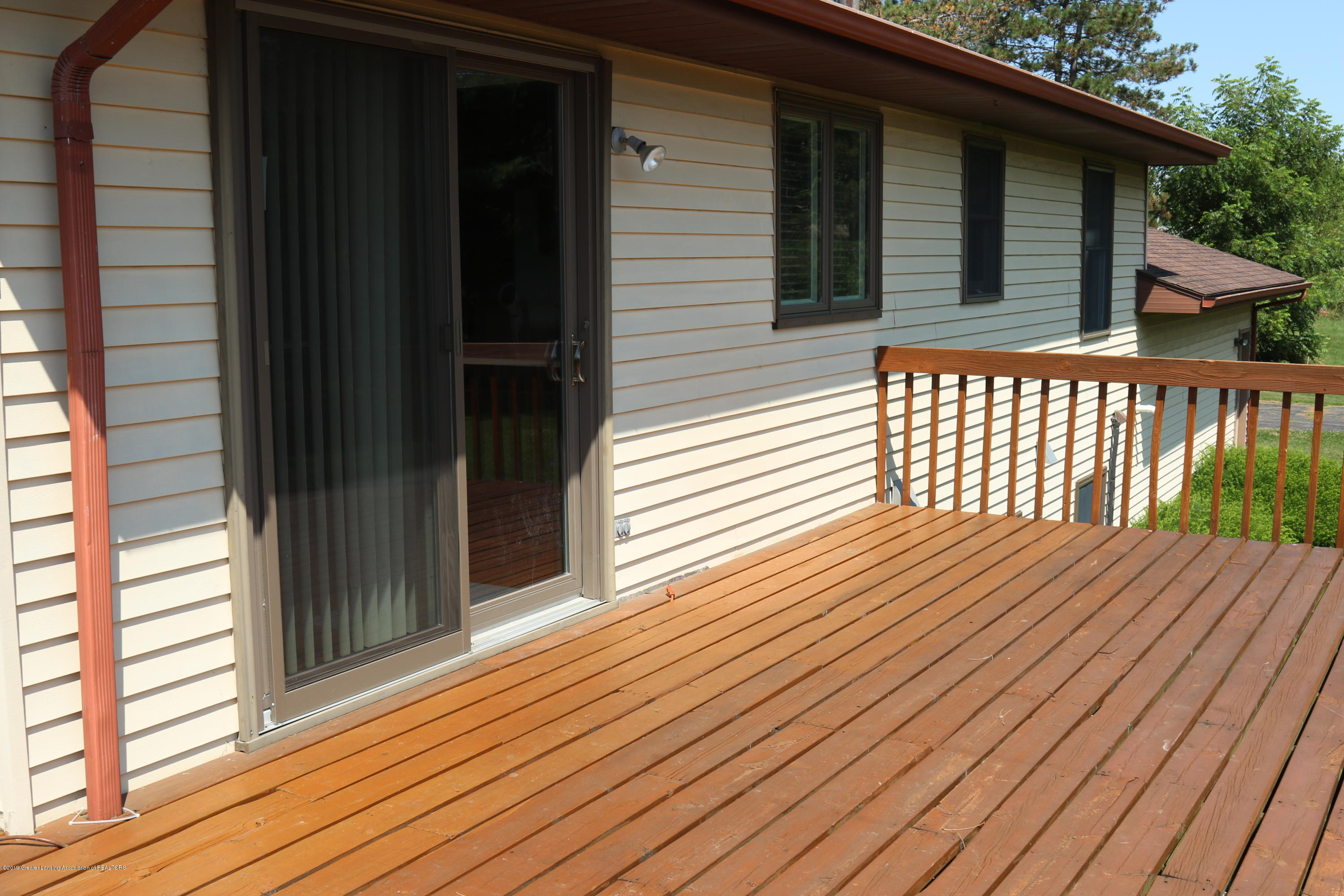 5867 Houston Rd - Large deck 2 sets up entry/exit - 4