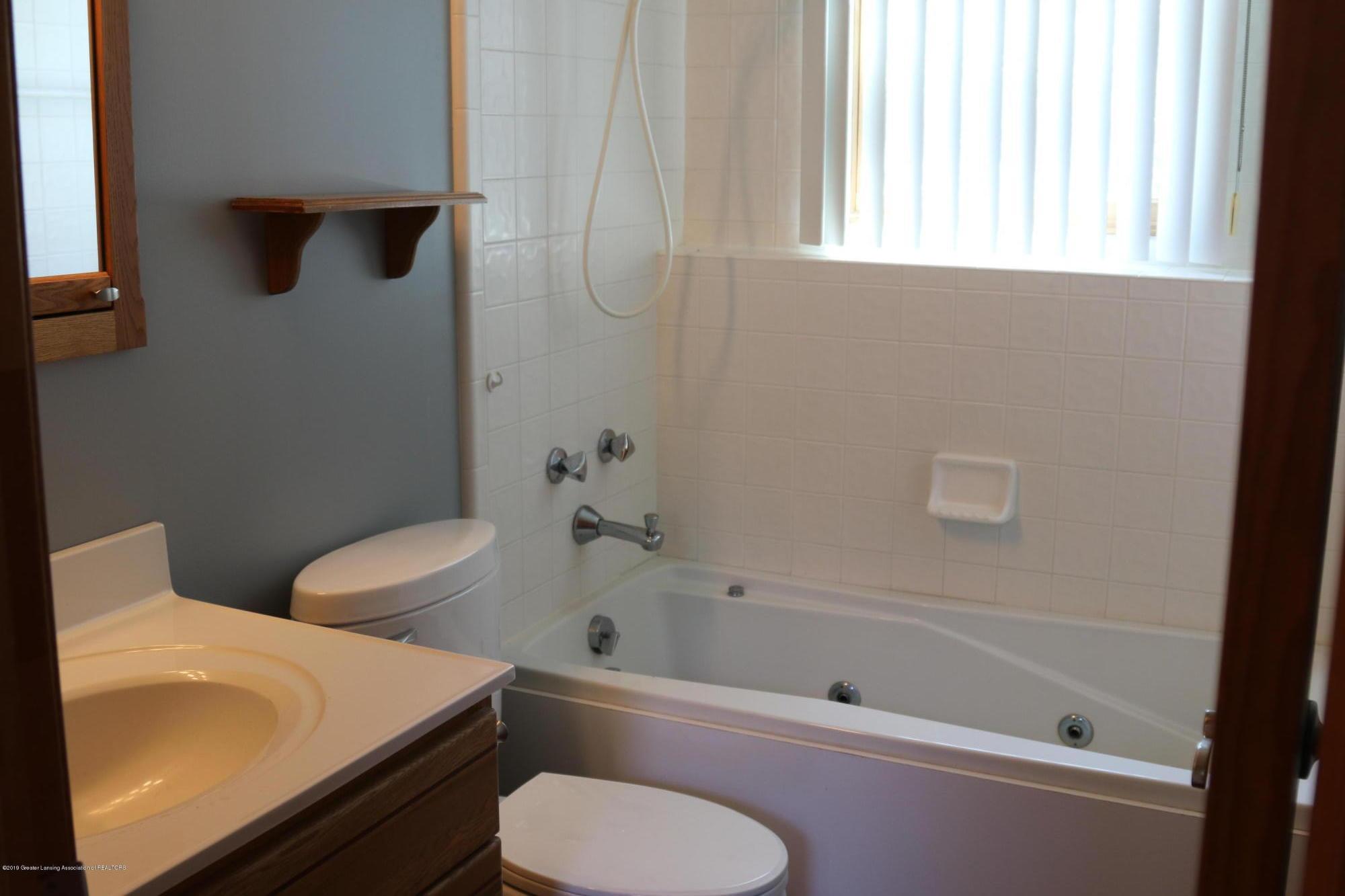 5867 Houston Rd - 2nd full bathroom - 41