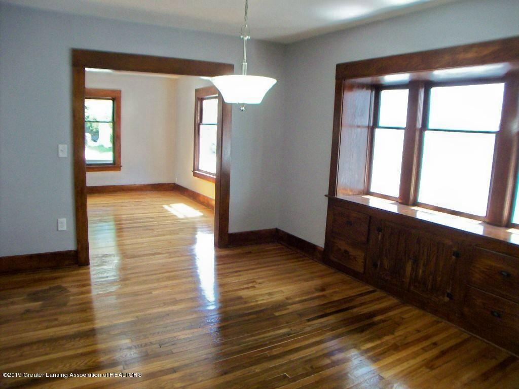 215 N Clemens Ave - 000_0033 - 10