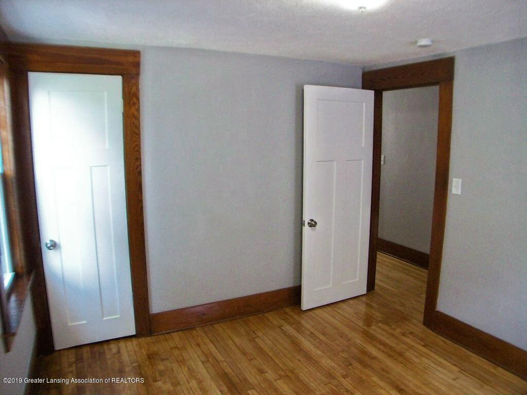 215 N Clemens Ave - 000_0056 - 28