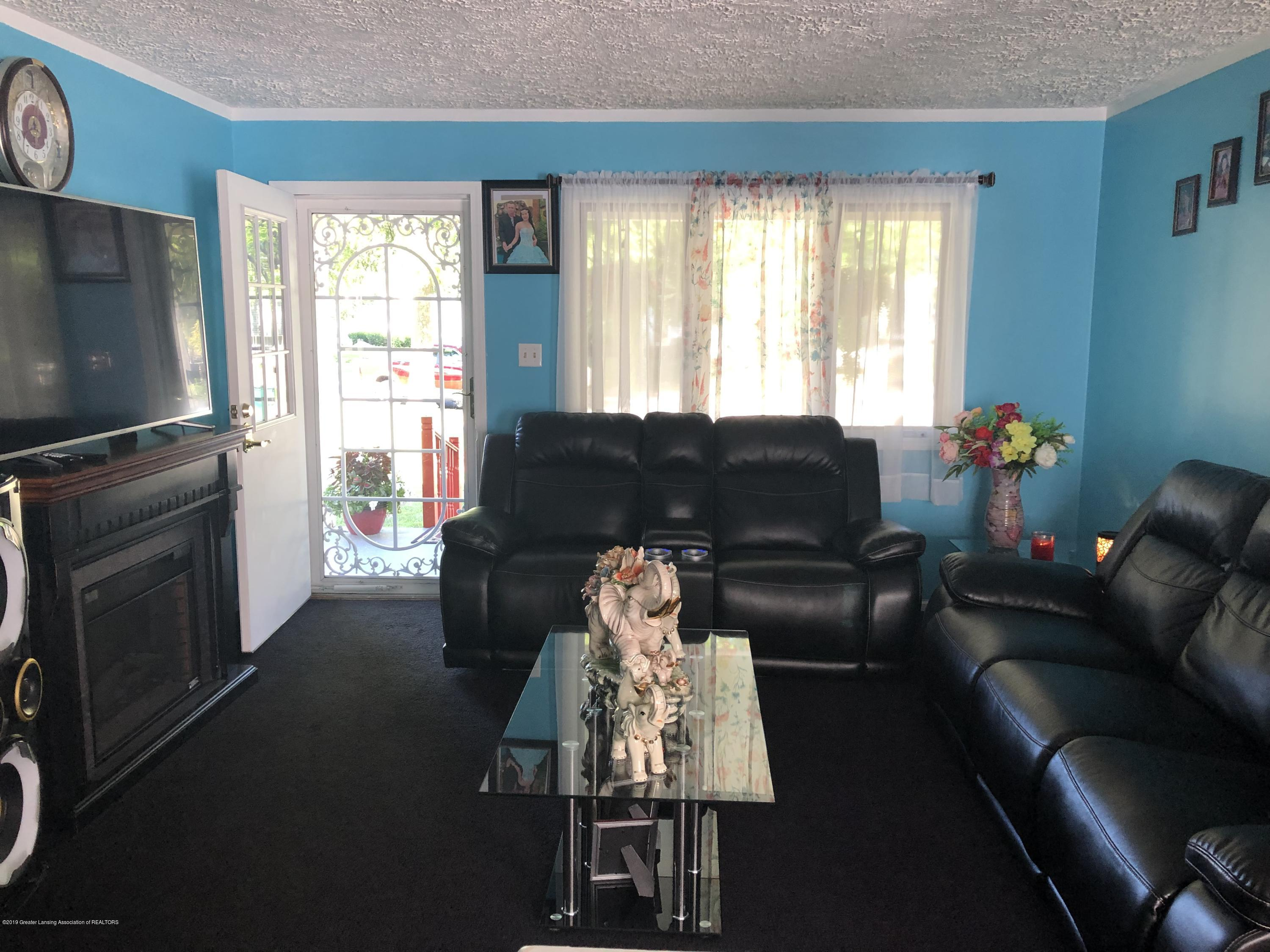 5712 Piper Ave - Living room - 3
