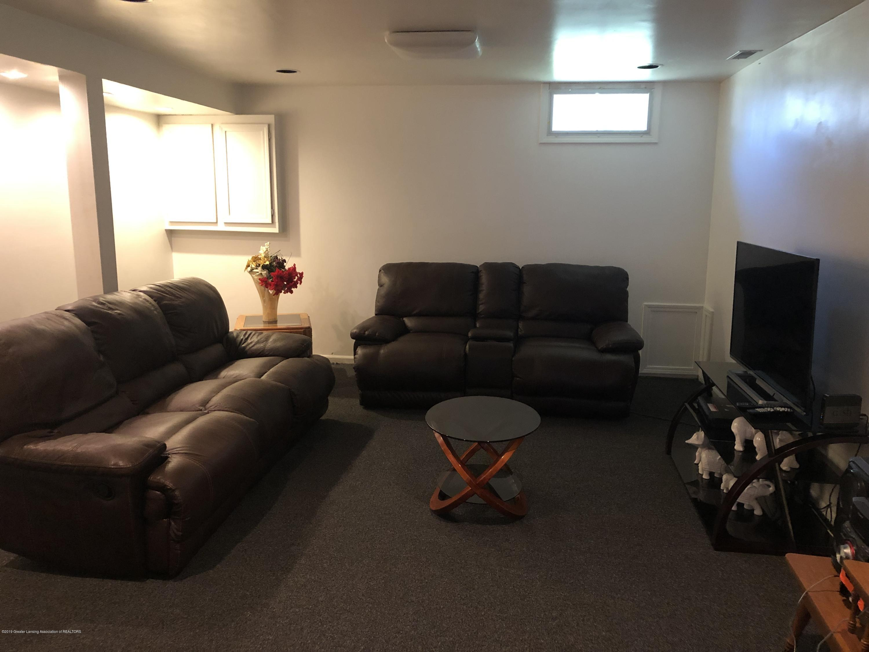 5712 Piper Ave - Family room - 19